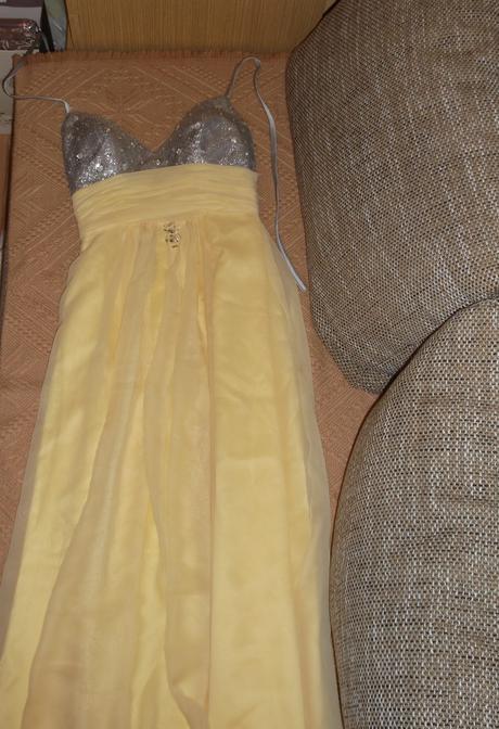 nádherné večerné šaty, 34