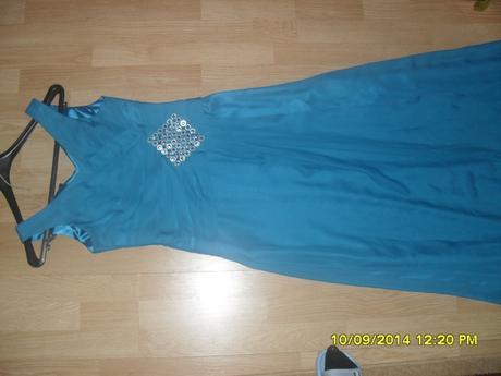 Petrolejové šaty , 38