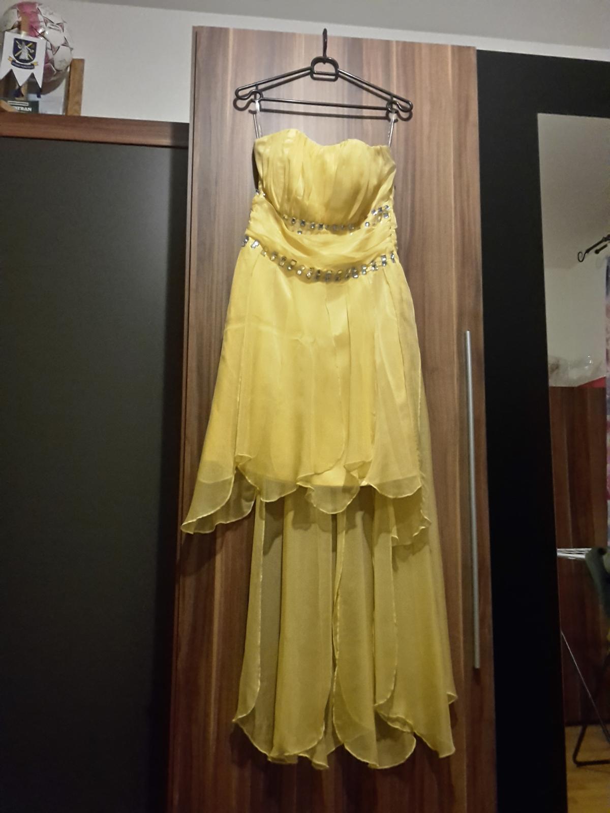 c8cee1c9af50 Žlté asymetrické šaty s kamienkami