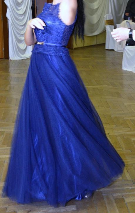 Nádherné spoločenské šaty , 38