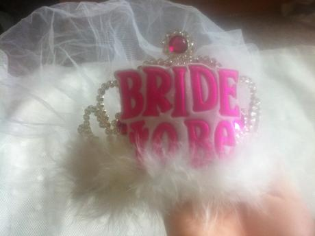 korunka do vlasov BRIDE TO BE,