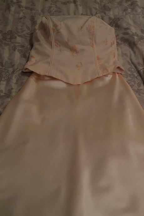 Marhuľkové spoločenské šaty, 38