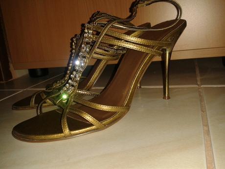 Spoločenské sandále La Mia zlatohnedej farby, 39