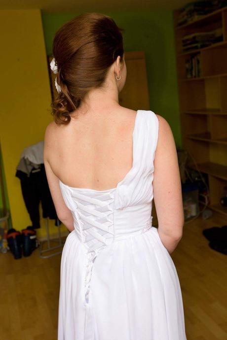 Antické šaty s vlečkou, 38