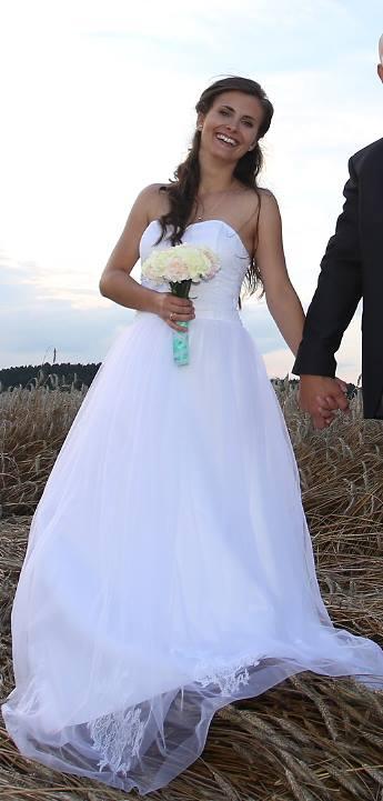 Něžné svatební šaty, šité na míru, 36