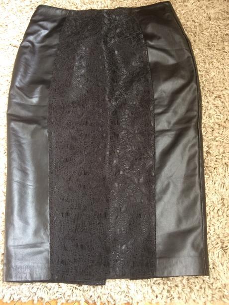 čierna sukňa , 34