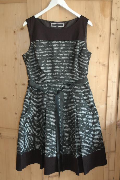 Luxusní společenské šaty - vel.44, nepoužité , 44