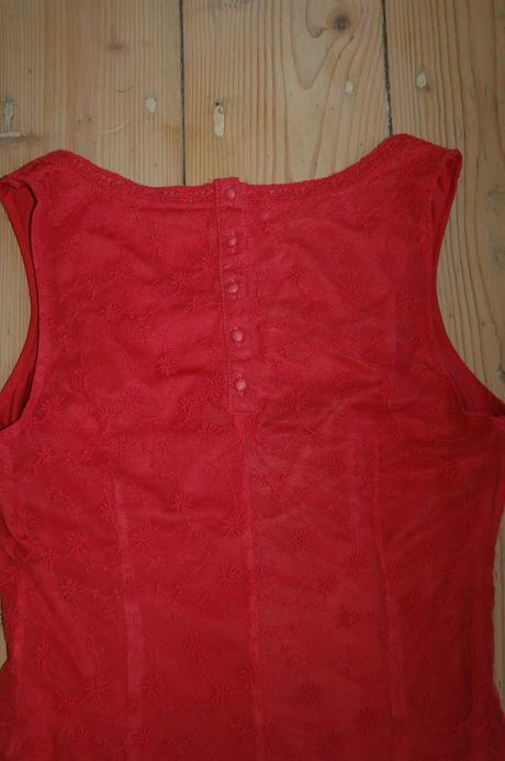 Společenské krajkové šaty vel.34, 34