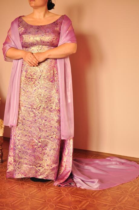 Plesové spoločenské šaty  , 42