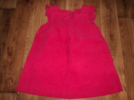 menžestrové červené šatičky, 86