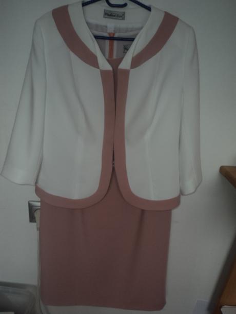 šaty a kabátik, 44