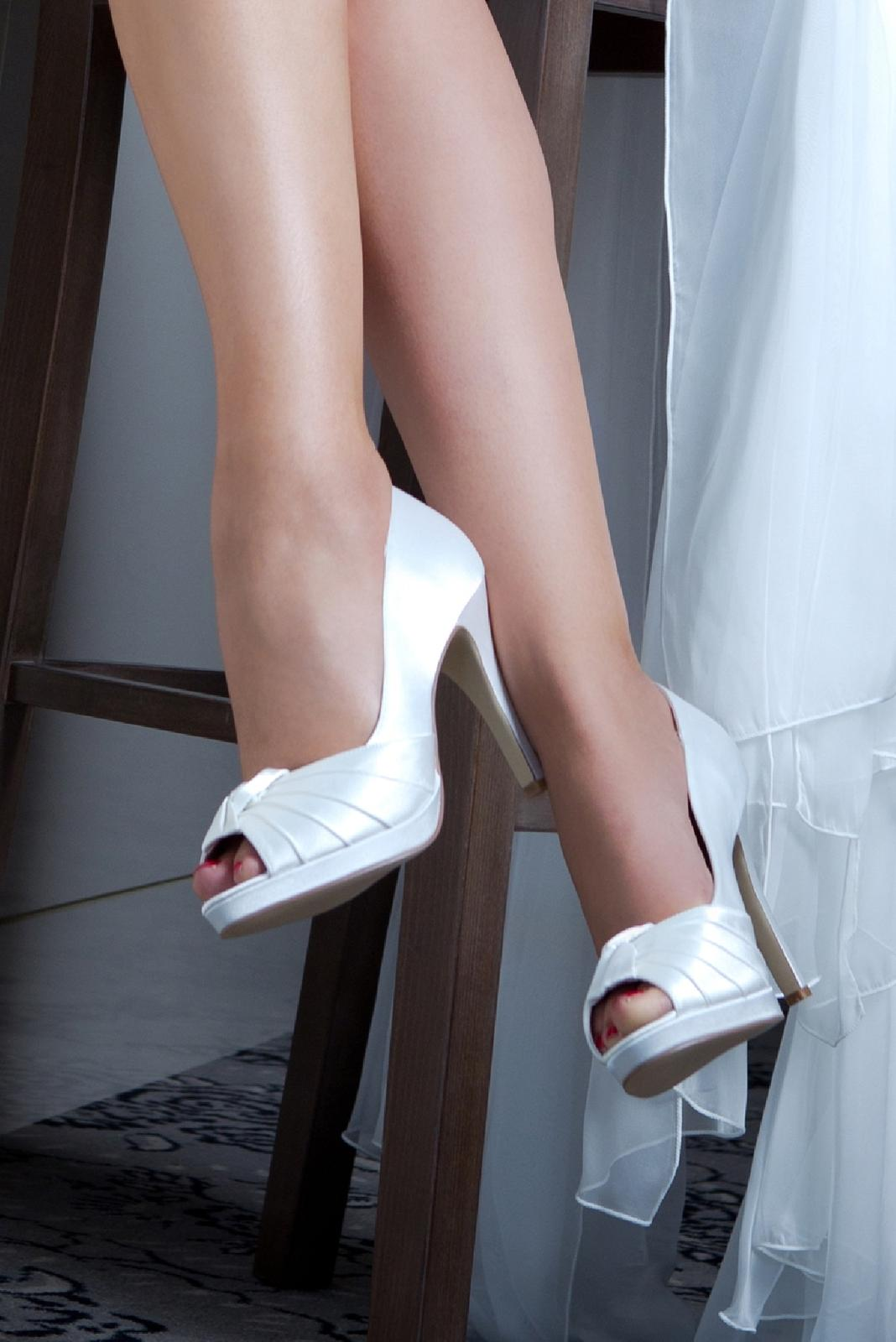 Svadobné topánky gina 65df31e567d
