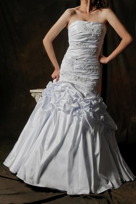 Svadobné šaty Deina, 40