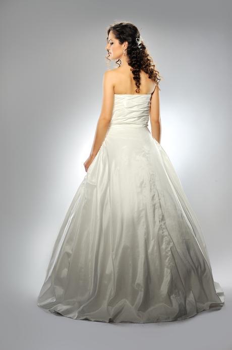 Svadobné šaty Paula - jeden ks vo výpredaji, 36