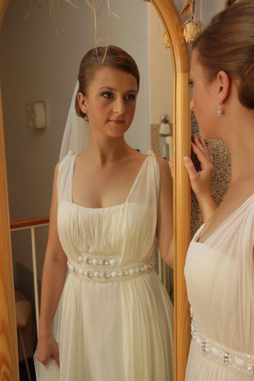 d11a0f68b Kvalitné hodvábne svadobné šaty - znížená cena, 36 - 180 ...