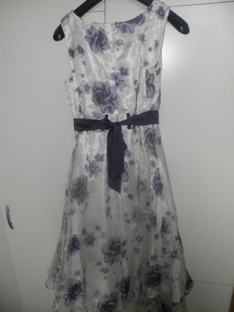 slávnostné šaty, 158