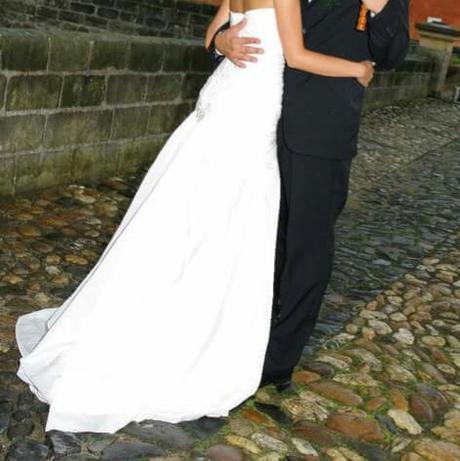 Svatební šaty se šněrováním, 36