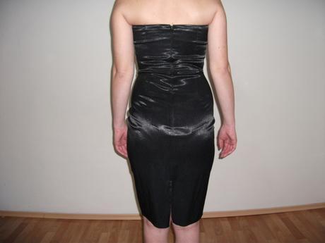 Koktailové šaty, 36