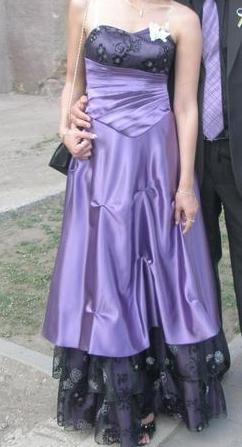 Spoločenské fialové šaty, 36