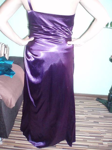 Fialové spoločenské šaty značky zaira ce38c74249d