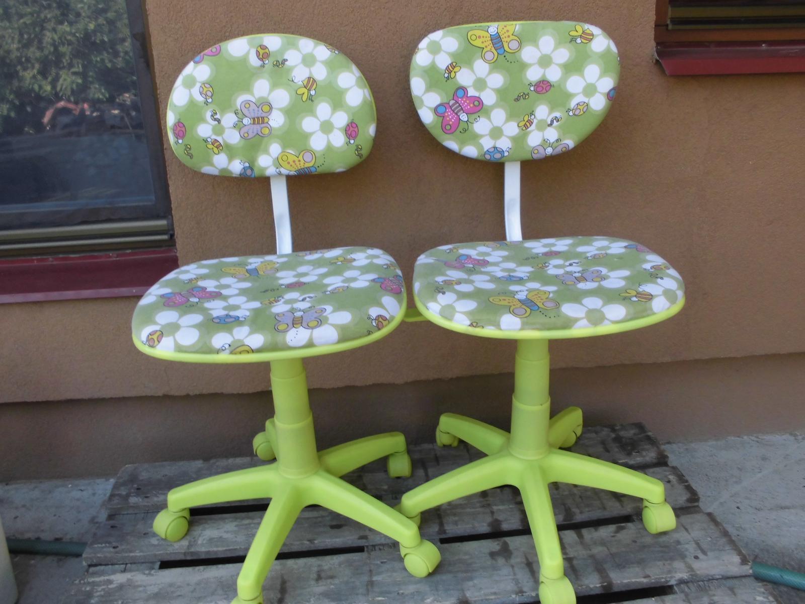f2cd2e706108 Dve detské otočné stoličky