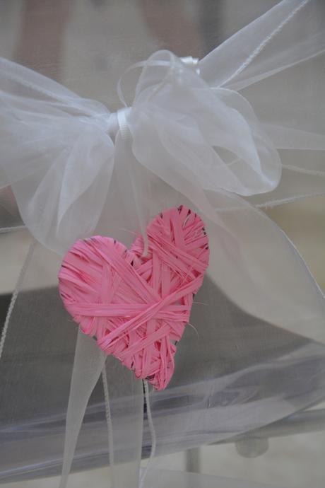 Srdce, ozdoba na židličky svatebního obřadu,