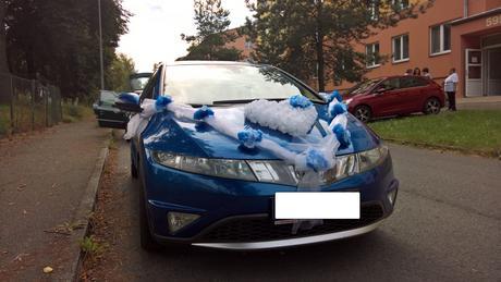 Výzdoba na auto ženicha a nevěsty,