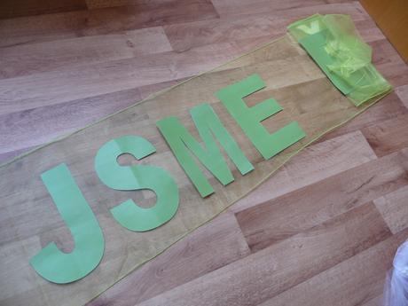 Zelená dekorace z organzy - na auto, stůl, mašle,