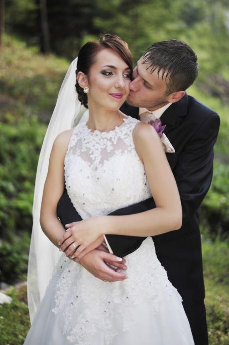 Romantické svadobné šaty s dlhou vlečkou, 36