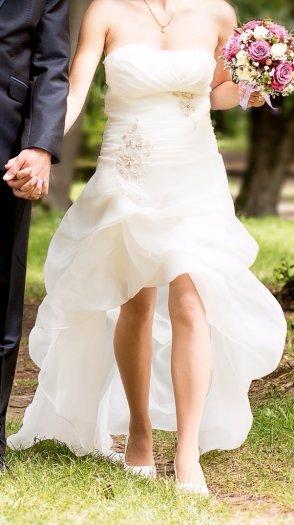 Svadobné saty, 36