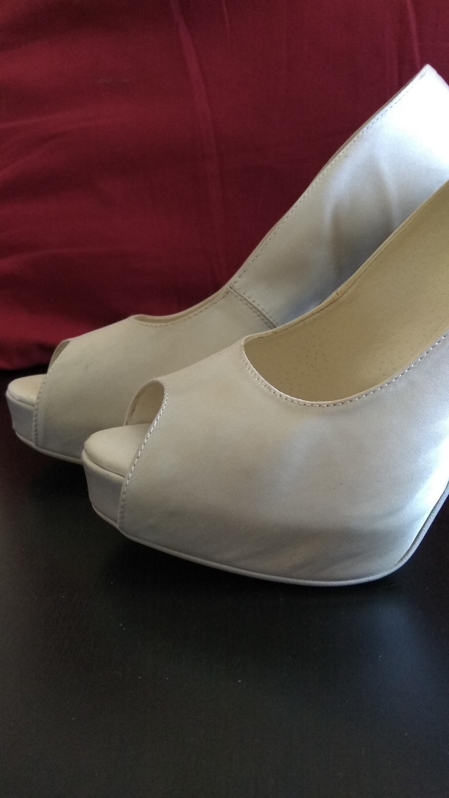 e5c0d598dd Svadobné topánky bez spicky