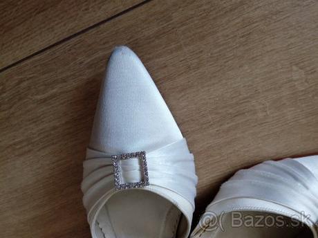 Svadobne topánky, 41