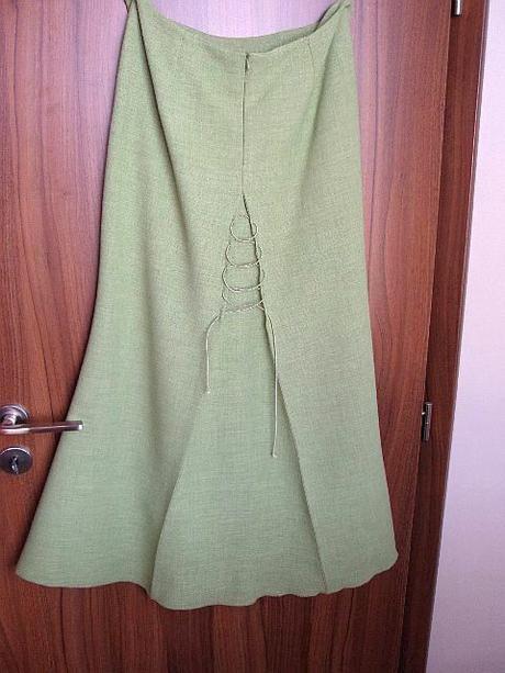 zeleny kostymček veľkosť 38-40, 38