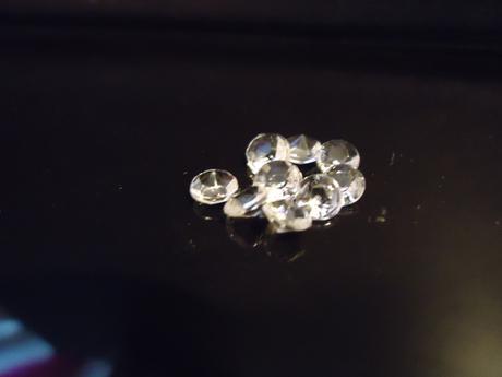 Diamantíky na dekoráciu stola,cena za 1000 kusov,