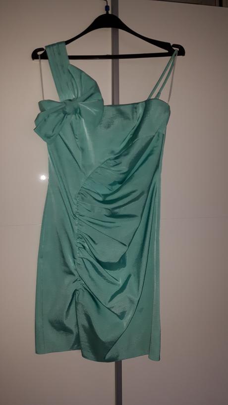 Šaty s mašľou, 38