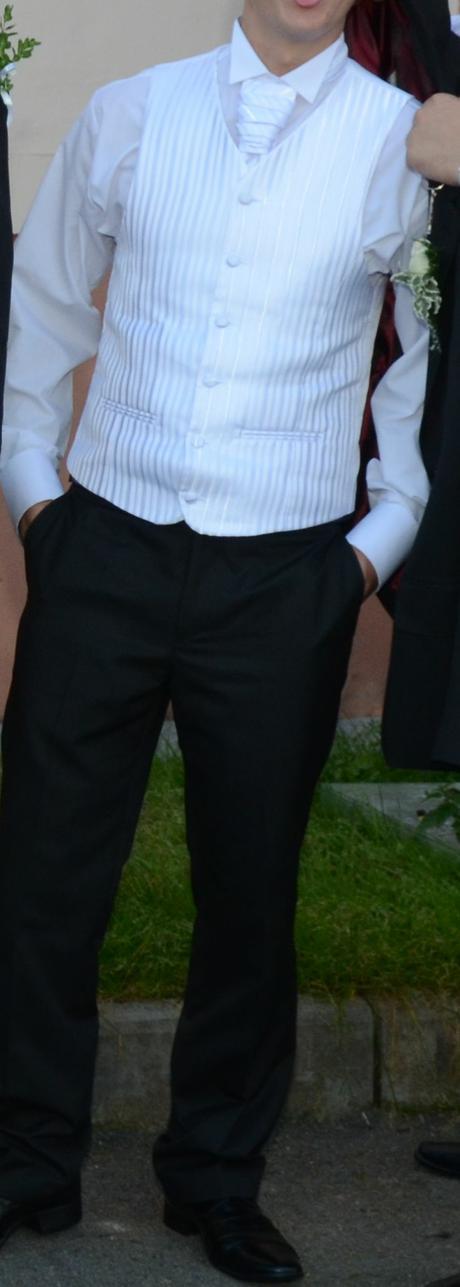 Snehovo biela vesta,francúzska kravata, 46