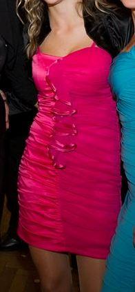 Koktailové šaty veľkosti S raz oblečené , 36