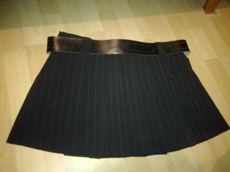 Nepoškodená krátka čierna sexi sukňa, S