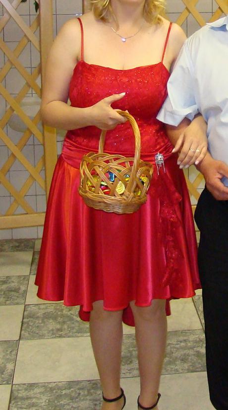 Šaty na redový tanec 1x oblečené s poštou, 42