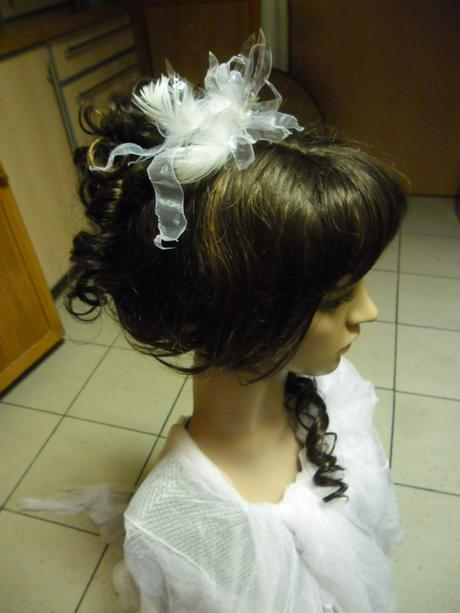 květina do vlasů,