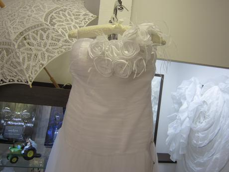 svadobé šaty na jedno ramienko 42-44, 42
