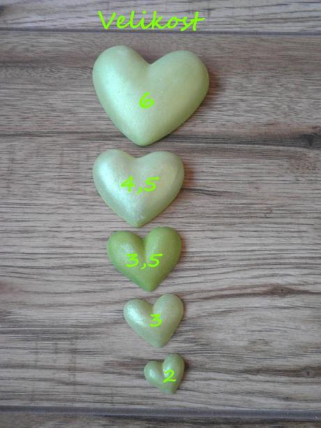 Mini srdíčka zelená,