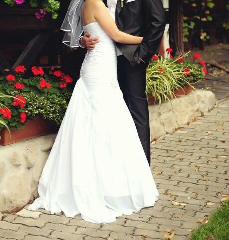 ľahunké snehobiele svadobné šaty, 36