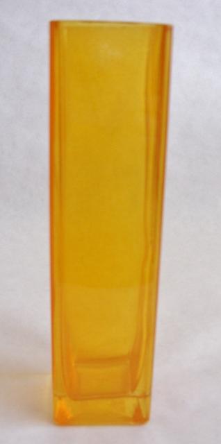 Váza oranžová,