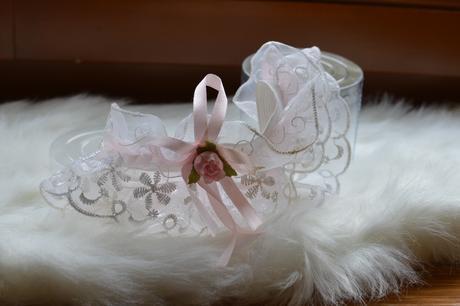 Svatební podvazek bílorůžový, M