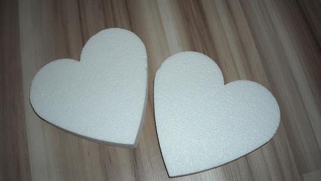 polystyrénové srdcia,