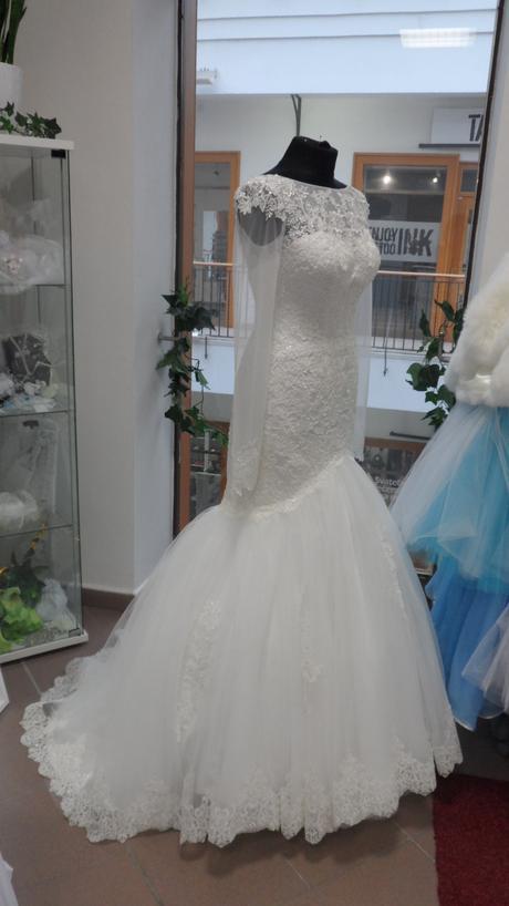 svatební saty, 36