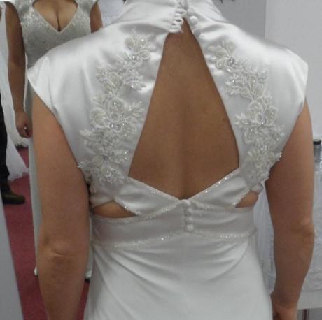svatební šaty v barvě ivory, 36