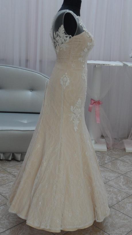 svatební šaty velikost 38, 38