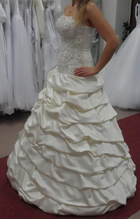 svatební šaty velikost, 38
